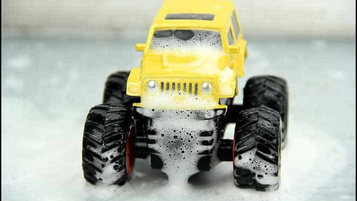 step of clean rc truck