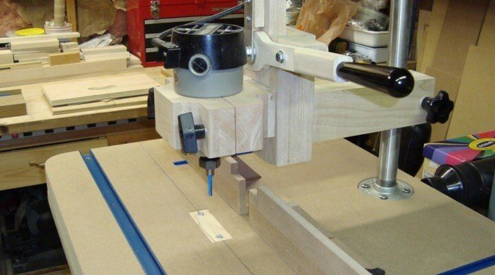 How to Use a Wood Router table